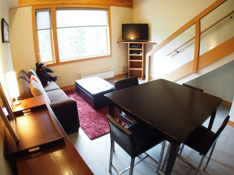 KL403LivingroomDining - Kookaburra Village Center - 403 - Sun Peaks - rentals
