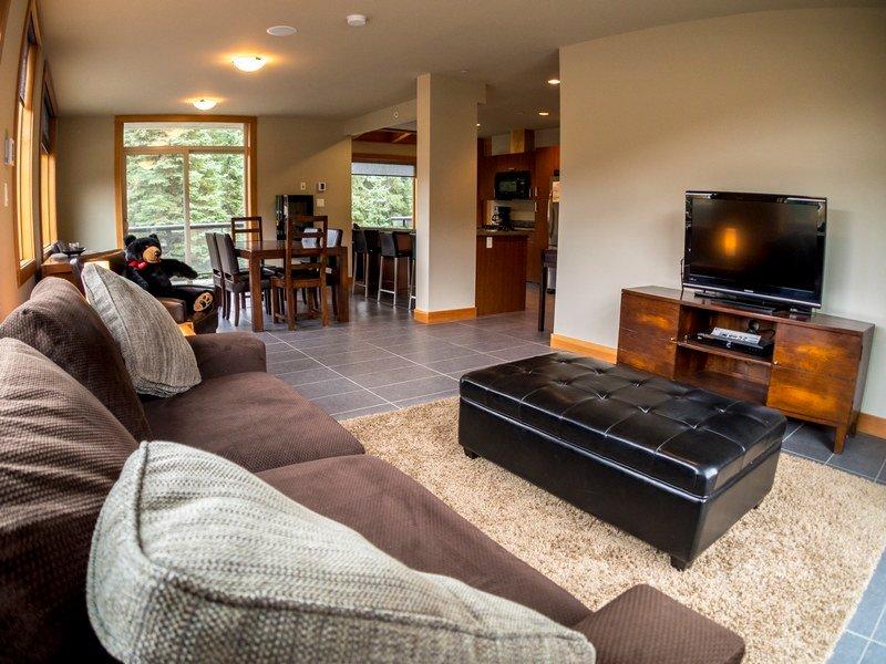KL203Livingroom - Kookaburra Village Center - 203 - Sun Peaks - rentals