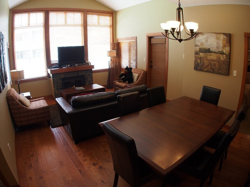 SX68Livingroom - Settler's Crossing Condos - 68 - Sun Peaks - rentals