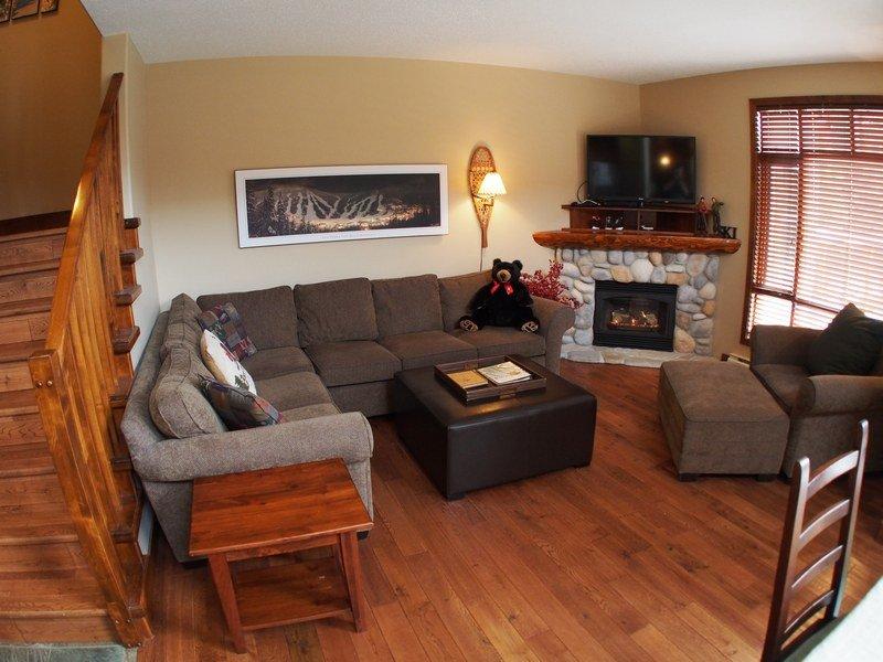 WH36Livingroom - Woodhaven Townhouses - 36 - Sun Peaks - rentals