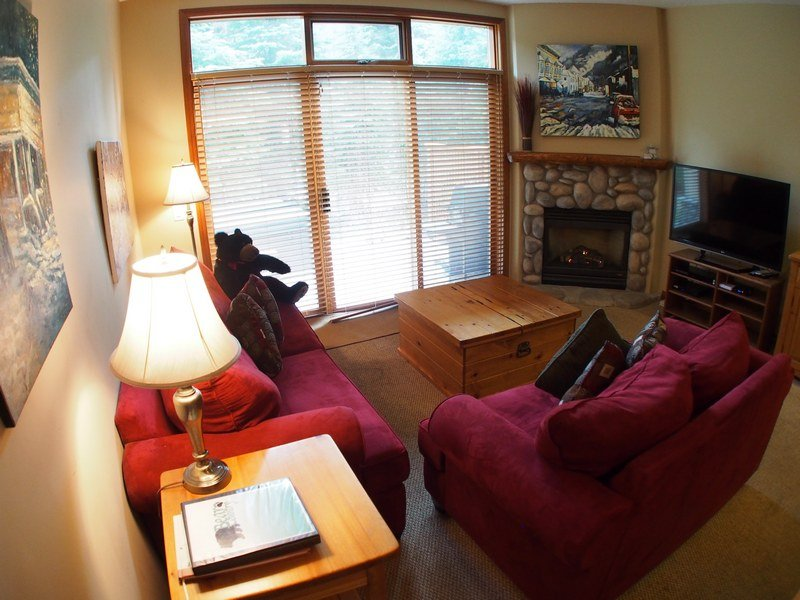 MC17Livingroom - McGillivray Creek Townhouses - 17 - Sun Peaks - rentals