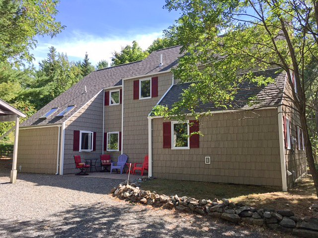 Front view of HIghbrook - Great location, walk town around corner 3 park ent - Bar Harbor - rentals