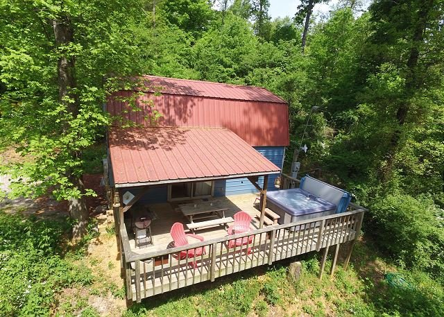 The Shed at Lookout Mountain Hang Gliding, Chattanooga, deck, hiking, hot tub - Image 1 - Chattanooga - rentals