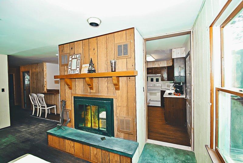 Imagined & Designed - 6 bed/3 bath Hot Tub Home - Image 1 - Stroudsburg - rentals