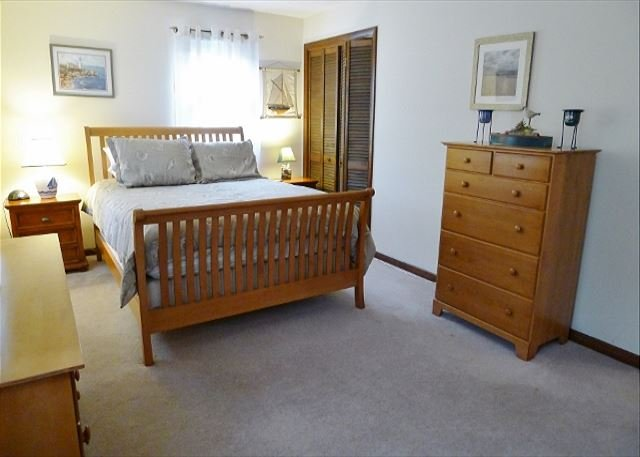 UPDATED EASTHAM COTTAGE LOCATED VERY CLOSE TO CAMPGROUND BEACH! - Image 1 - Eastham - rentals