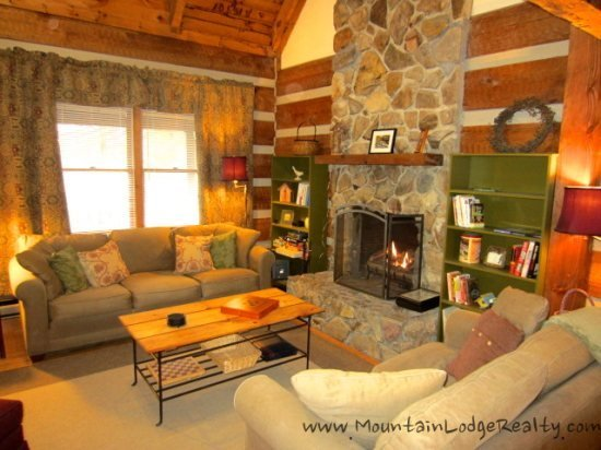 3BR Cabin, Stone Fireplace, Flat Screens, King Bed, Foosball, Close to Banner Elk, Boone or Blowing Rock, NC - Image 1 - Boone - rentals