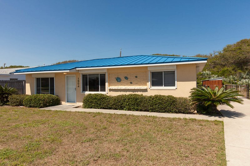 Welcome to Our New Smyrna Beach House! You won't want to leave! - Steps from the beach; Just bring your toothbrush! - New Smyrna Beach - rentals