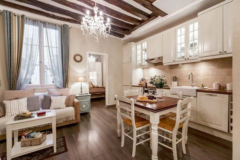 Historic Charm Walk 2 NotreDame *FREE SEINE CRUISE - Image 1 - Paris - rentals