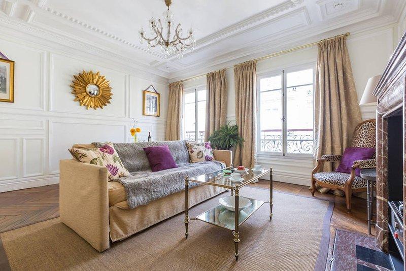 1st Arr Royal Lux Historic Core  FREE SEINE CRUISE - Image 1 - Paris - rentals