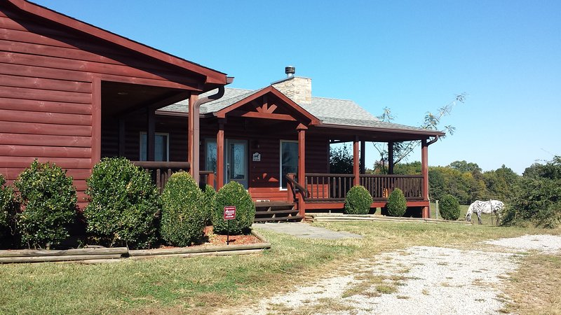 Beautiful Log house has covered decks to enjoy panoramic views of country side and horses grazing  - Beautiful log house on a working KY horse farm - Bowling Green - rentals
