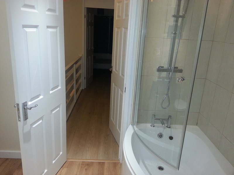 DINGLE HOUSE - Image 1 - Bristol - rentals