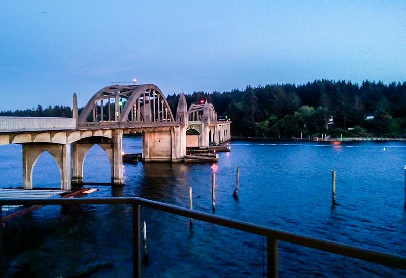 Gorgeous riverfront rental with excellent views and large private deck! - Image 1 - Florence - rentals