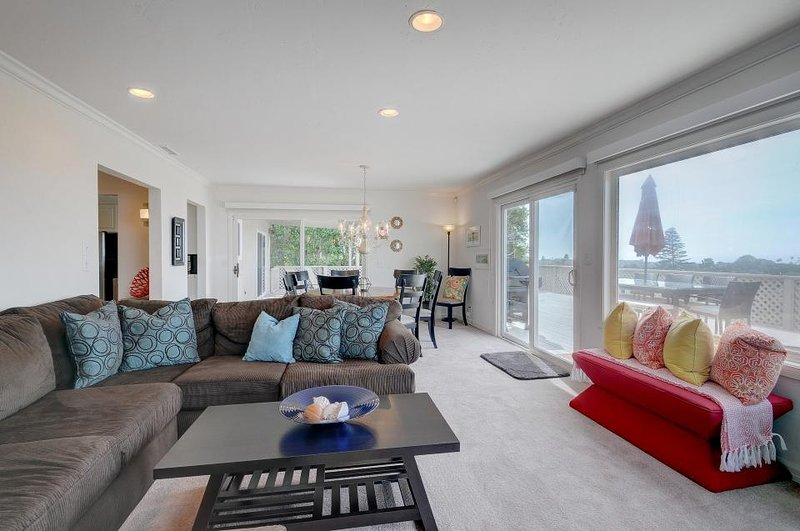 Designer Solana Beach home w/wrap-around deck & ocean views - dogs OK! - Image 1 - Solana Beach - rentals