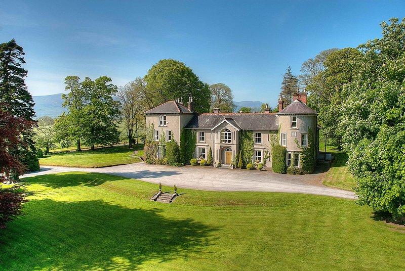 Bansha Castle - Bansha Castle, Bansha, County Tipperary, Ireland - Bansha - rentals