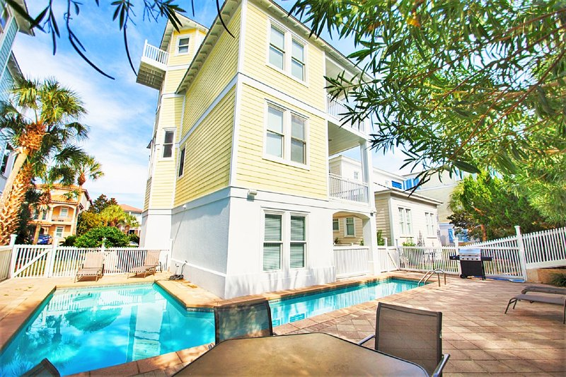 Athena Features A Private Pool with Access to The Community Pool Across The Street  - Athena: Private Pool, Sleeps 19, 2 Minutes Walk to the Private Beach Access! - Miramar Beach - rentals