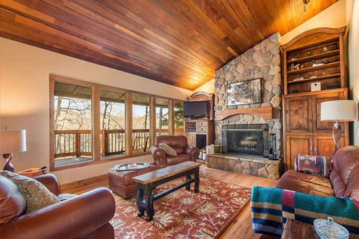 This 3 bedroom, 3 bathroom multi-level condo is conveniently removed from the road to allow for privacy during your Park City vacation. - Crescent Ridge Park City - Park City - rentals