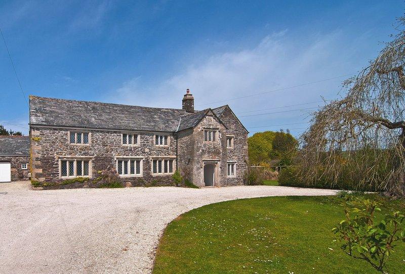 Tretawn Farmhouse - Image 1 - Wadebridge - rentals