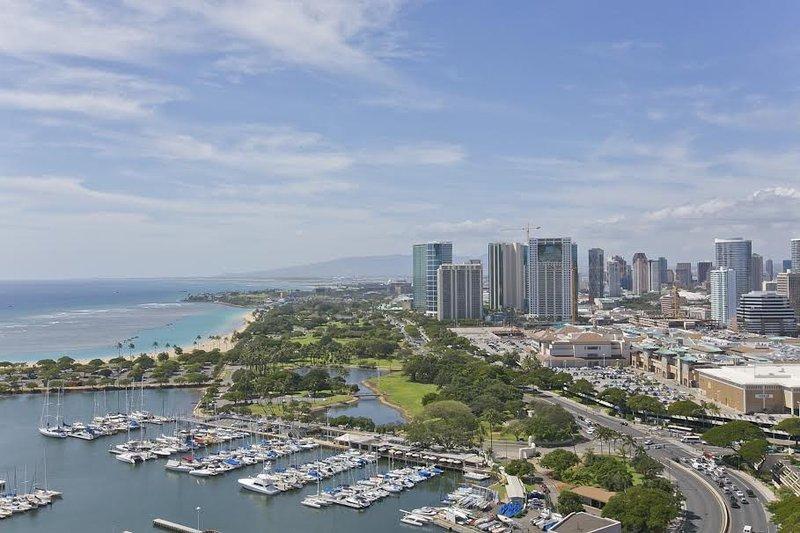 Absolutely Ocean View-Parking-Best In Building- 99 - Image 1 - Waikiki - rentals