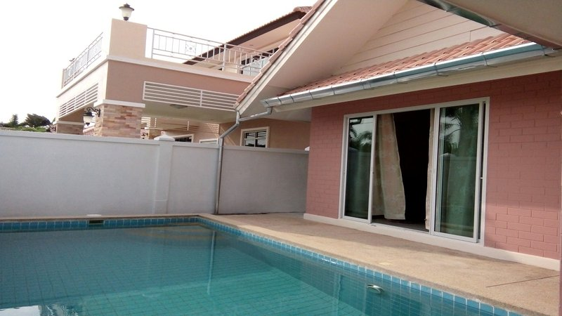 Villas for rent in Hua Hin: V6105 - Image 1 - Hua Hin - rentals