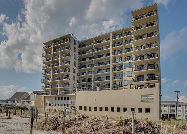 2 bedroom, 2 bathroom, oceanfront condo - Image 1 - North Myrtle Beach - rentals