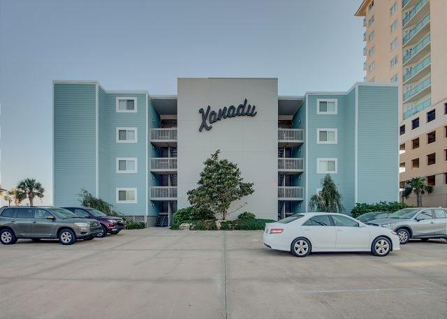 Spacious 2 bedroom, 2 bath direct oceanfront condo. - Image 1 - North Myrtle Beach - rentals