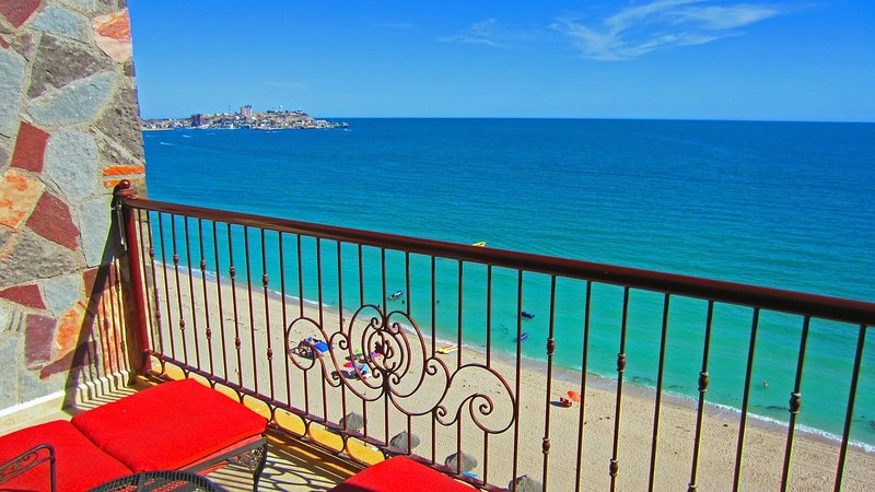 Relax on this extra large balcony of condo 905.  now THIS is an OCEANFRONT view! - Sonoran Sky OCEANFRONT 1 Bdrm Condo w many EXTRAS! - Puerto Penasco - rentals