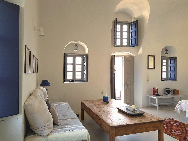 Main chamber the main entrance - The Sunny Winehouse - Oia - rentals
