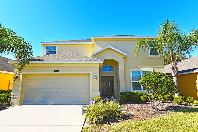 4 Bed 3.5Bath Home with Pool, Spa, Game Room, 5 miles to Disney from $120/night - Image 1 - Kissimmee - rentals