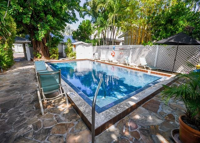 Colony Caylpso - A quaint 1 Bedroom Cottage just two blocks to Duval - Image 1 - Key West - rentals