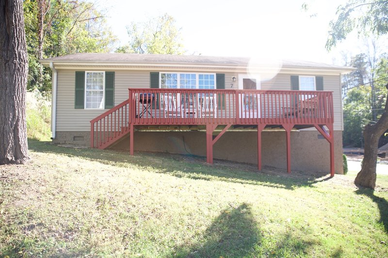 Enjoy the mountain air on the large front deck.  - Biltmore South! Pet friendly, comfortable, cozy! - Asheville - rentals