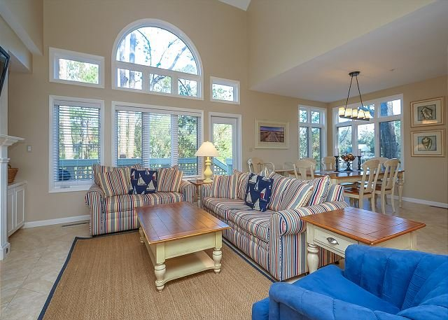 Living Area - 7636 Huntington- 5 Bedrooms & Quick walk to the Beach- Beautiful! - Hilton Head - rentals