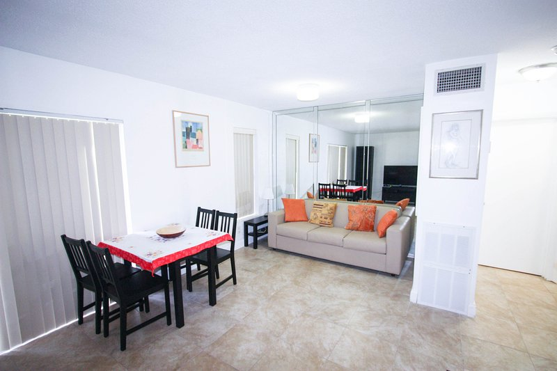 Nice Apartment closed to the beach & Shops - Image 1 - Sunny Isles Beach - rentals