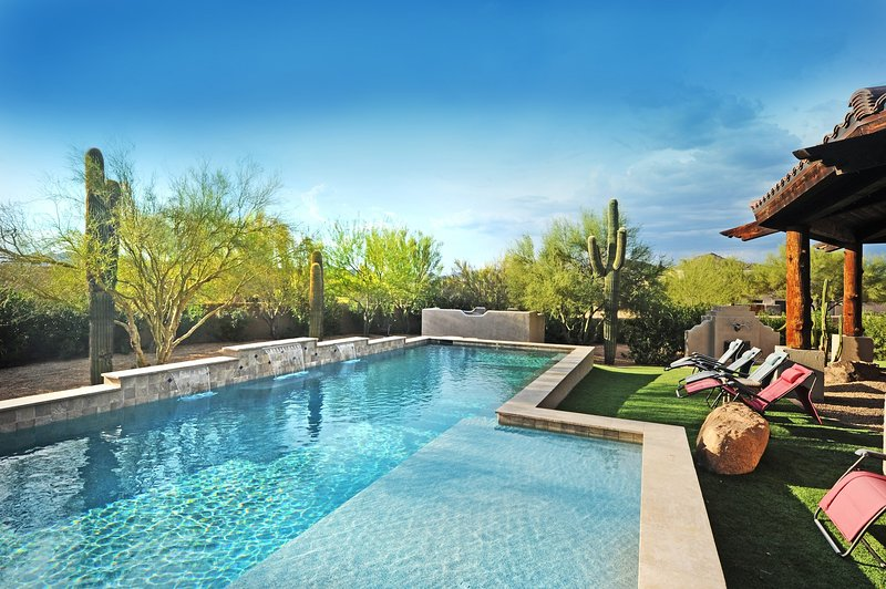 NORTH SCOTTSDALE SPA RETREAT: Sleeps 19+, Heated Pool, Spas, Outside Living Room - Image 1 - Scottsdale - rentals