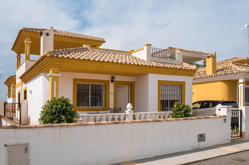Great Value Detached Villa. 3Bed 2Bath. Lovely!!! - Image 1 - Torrevieja - rentals