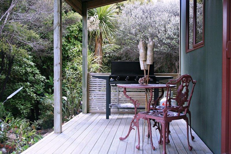 Powai s/c studio cottage  water views nr Kaiwaka - Image 1 - Kaiwaka - rentals