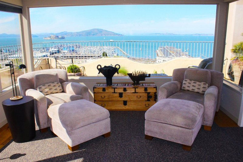 Furnished 2-Bedroom Apartment at Kearny St & Chestnut St San Francisco - Image 1 - San Francisco - rentals
