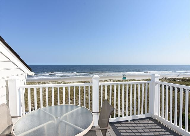 Cyn's Delight Oceanfront Deck - Cyn's Delight -  Chill out and unwind at this comfortable oceanfront condo - Carolina Beach - rentals