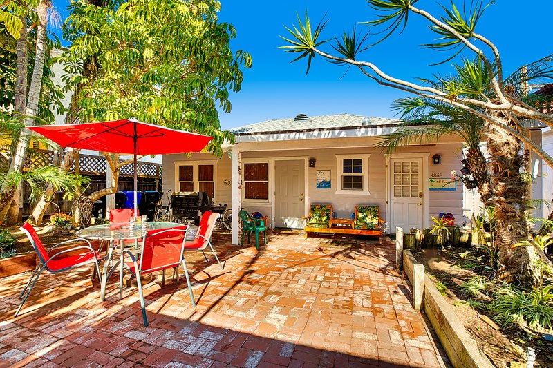 OB Bungalow, Dog Friendly, Spa, Tropical Garden - Image 1 - Pacific Beach - rentals