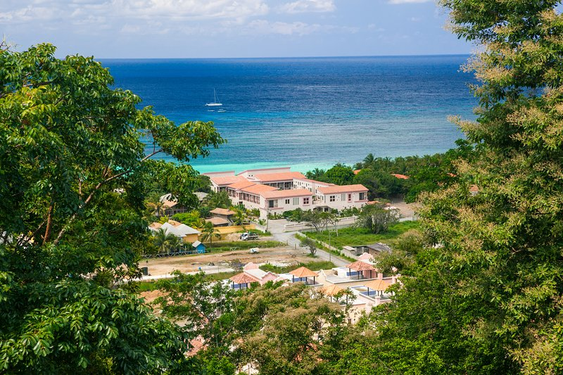 View from our home toward West Bay - La Casa Buena Vida (T-21) - Roatan - rentals