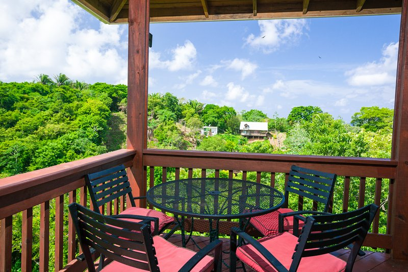 Enjoy the view while dining outdoors - Valley View - Roatan - rentals