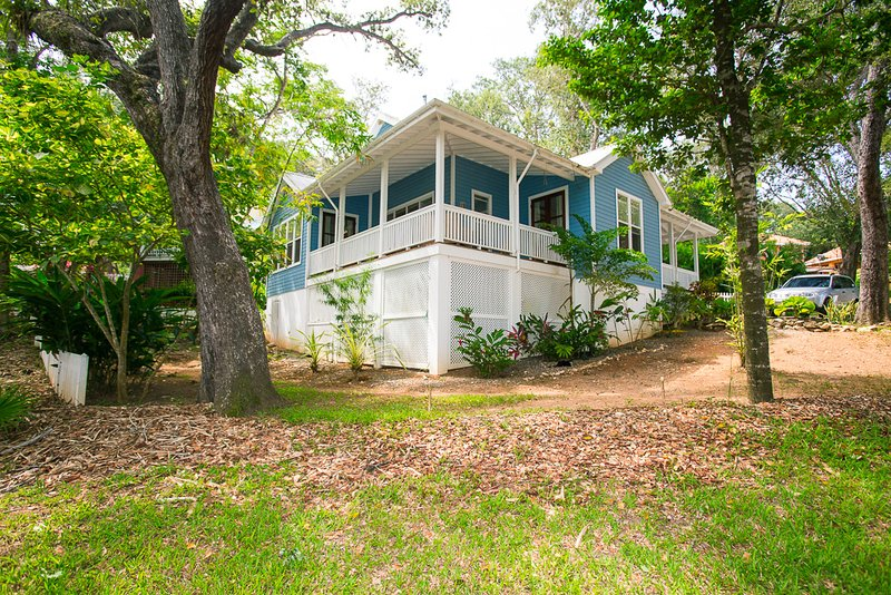 Exterior view - Lawson Rock - Magnolia House - Sandy Bay - rentals