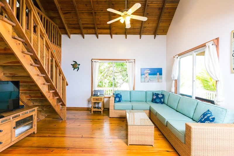 The living room is open and spacious - Billie's Bungalow (TC #7) - Roatan - rentals