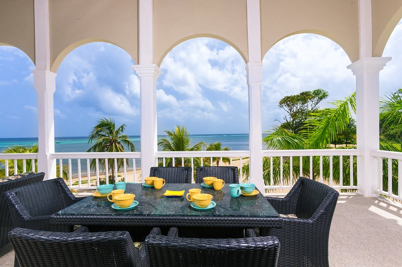 Outdoor dining with a view - Lawson Rock - Angelfish 202 - Sandy Bay - rentals