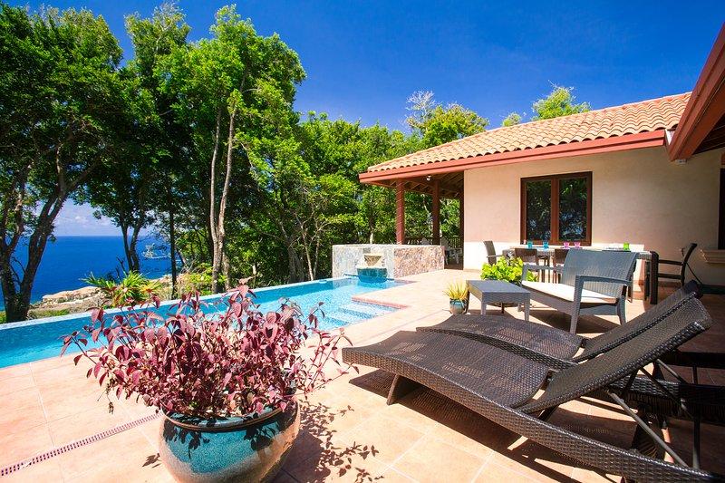 Poolside View - Chula Vista - Roatan - rentals