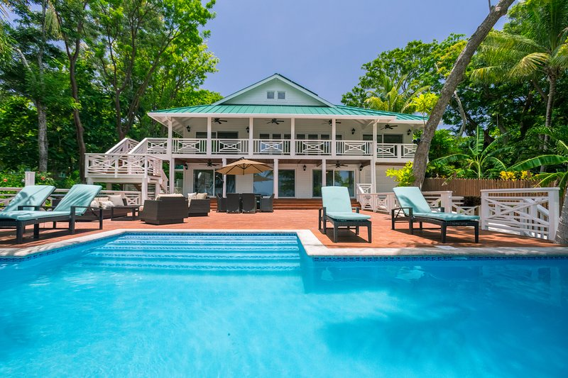 Serenity Beach House is your perfect getaway - Serenity Beach House - Roatan - rentals