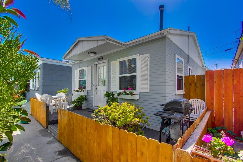 Outside view - QUEENSTOWN825 - Mission Beach - rentals