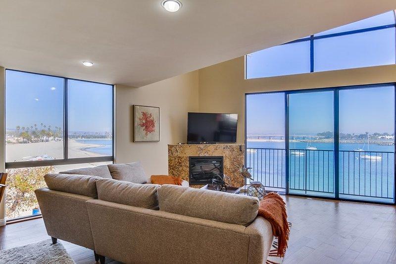 Living Area - CAPISTRANO - Mission Beach - rentals