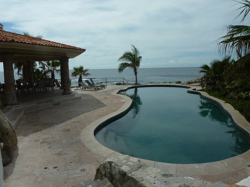 Oceanfront Community Pool - Casa Masha Casita - 3 Bedrooms - Cabo San Lucas - rentals