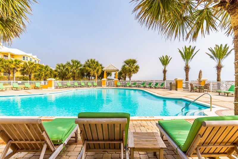 Enjoy the extravagant Beach Front outdoor pool. - La Mahana (102E) - Gulf Shores - rentals