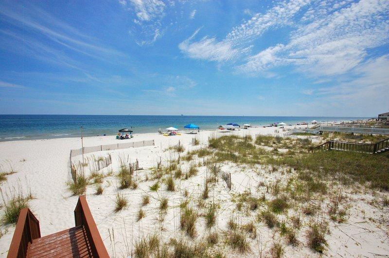 Beachfront views as far as the eye can see. - Brainstopper - Fort Morgan - rentals